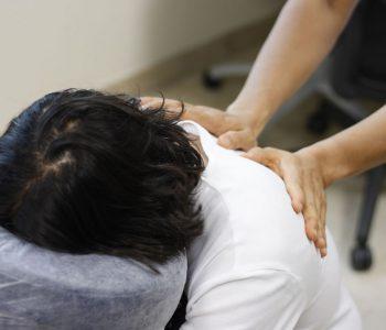 Techniki masażu pleców