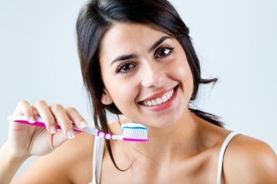 Sposób na piękny uśmiech? Implanty zębowe!