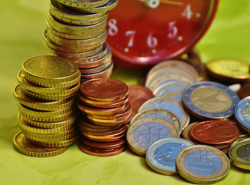 Czy i ile trzeba płacić za rachunek bankowy?