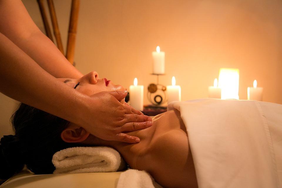 Sesja masażu w prezencie – sprawdź jaki masaż możesz podarować bliskiej Ci osobie
