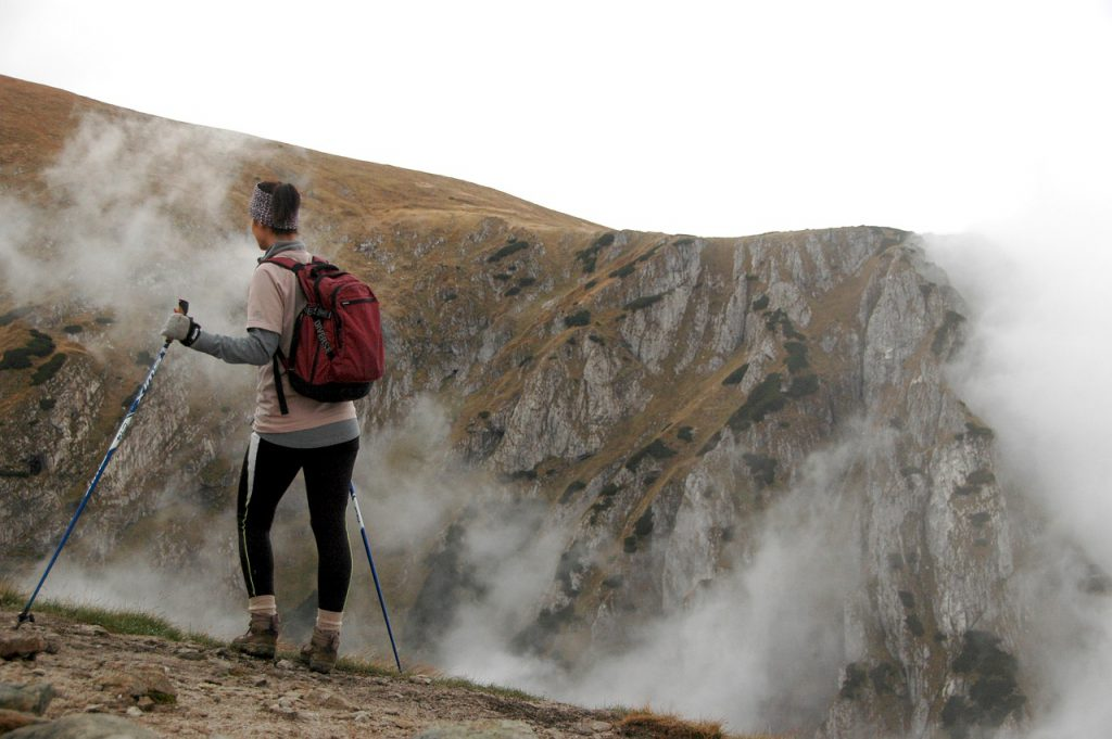 Nordic Walking – jak zacząć? Dobór sprzętu dla początkujących i nie tylko