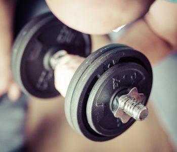 Jak zwiększyć masę mięśniową naturalnie? Porady i podpowiedzi